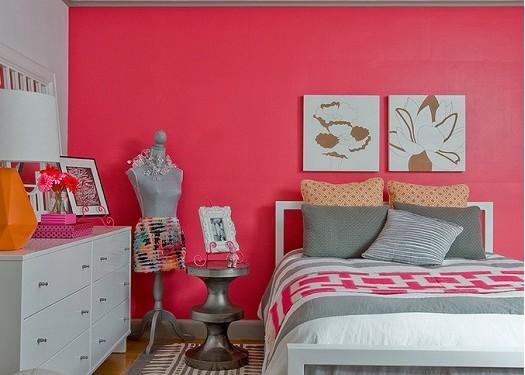 dormitor rosu fetite