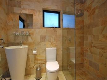 baie cu marmura si granit